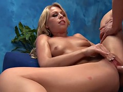 alluring gal sucks heavy cock