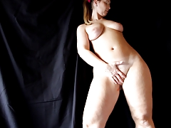 Another video were you can see Sarah' pussy