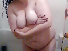 plus sized girl shower