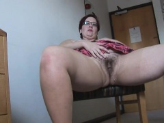Busty mature BBW in pantyhose and undersized skirt