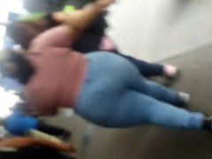 pretentiously buttocks bbw latina in tight jeans